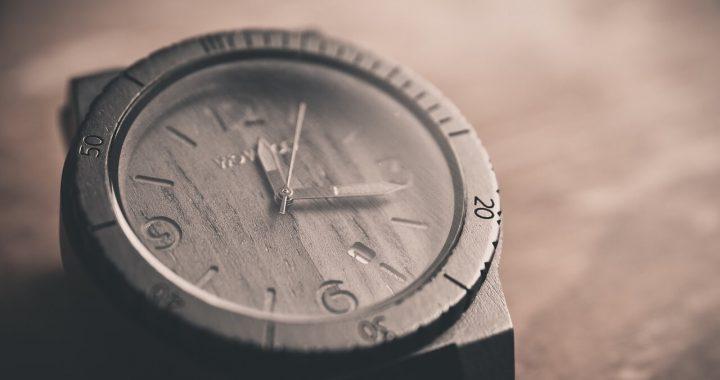 watch-690288_1280